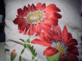 Poszewka na poduszkę lniana kwiaty haftowana 40 x 40