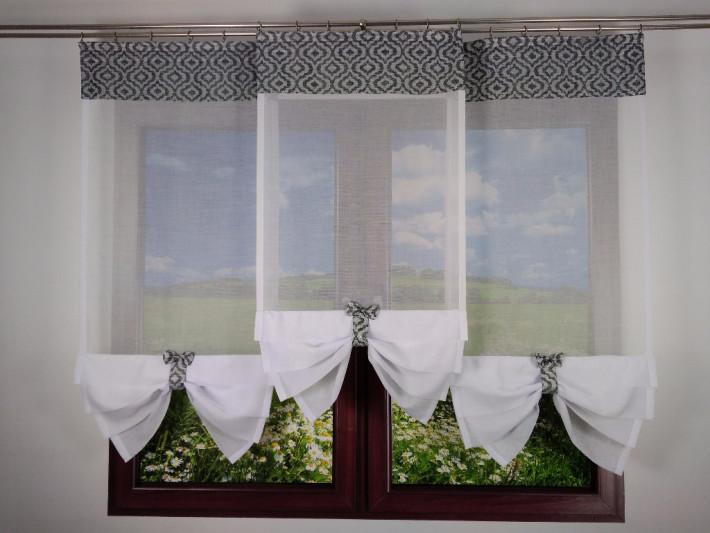 Gotowa kompozycja  do dekoracji okna TRZY PANELE Z BIAŁEGO BATYSTU Z KOKARDKAMI